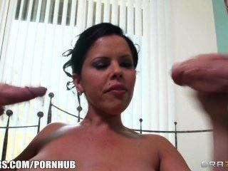 Diamond Kitty & Her Perfect Tits Take A Bath Before The Gangbang