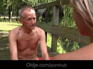 Old Man Teaches Teeny Sexual Gymnastic