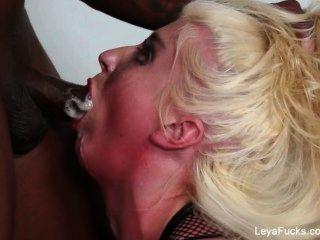 Leya Falcon Gets Ass Fucked
