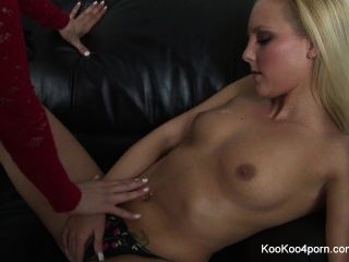 Sluts Amy Anderssen & Lisa Hype Fuck Each Other With Toys