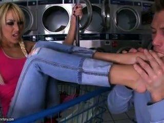 Barefoot Hottie Breanne Benson~!