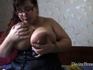 Lactating Big Boobs Squrting Milk With Messy Dildo Tit Fuck
