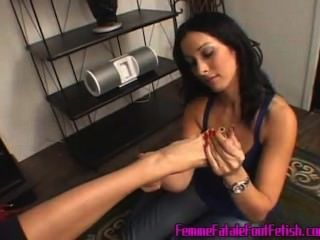 Lesbian Foot Worship / Domination