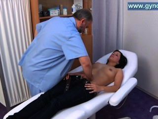Kirsten Plant Wen To Her Gynecologist. Detailed Gyno Exam