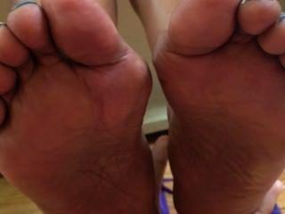 Ebony W/ Sneakers, No Socks
