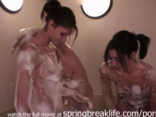 3 Girls Champagne Bubblebath