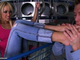 "Breanne Benson ""helps"" Wash The Laundry With A Footjob"