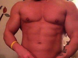 Bodybuilder Dean Living Room Jerk & Cum