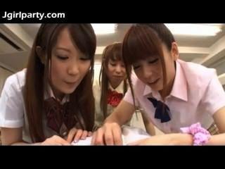 Japanese Teen Schoolgirls 492477