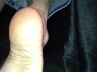 White Lady Oiled Big Soles In Yoo Face